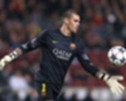 valdes to train with manchester united