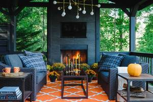 Ask a Designer: Outdoor Decorating for Fall